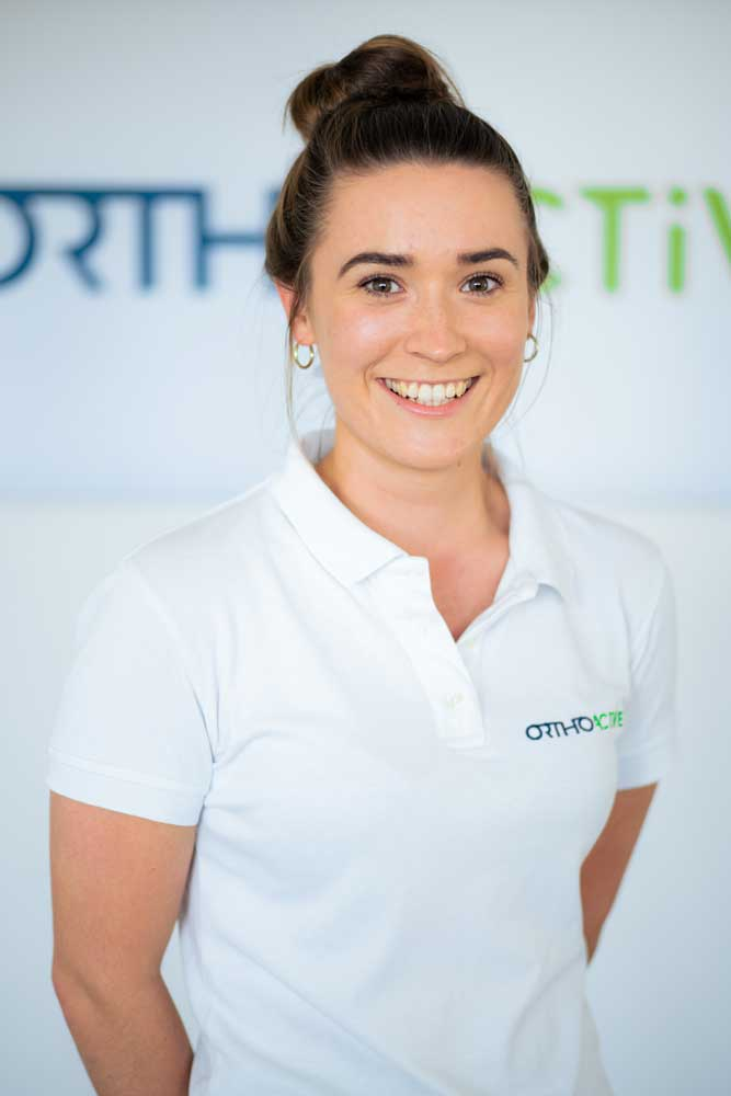 Physiotherapeutin Joelle Colter bei OrthoActive Physiotherapie in Langenfeld